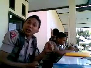 Polisi Gorontalo Menggil